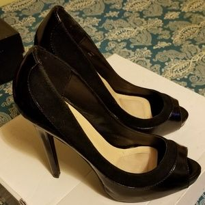 Signature by ShoeDazzle Lani peep toe pumps size 8